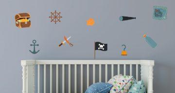 Selected products - Σύνθεση από διάφορα πειρατικά αντικείμενα