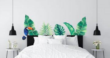 Αυτοκόλλητα Τοίχου - Τροπικά φύλλα πράσινα και ένα τουκάν