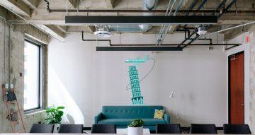 Αυτοκόλλητα καταστημάτων - Πύργος της Πίζας με αεροπλάνο