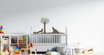 Αυτοκόλλητα Τοίχου - Σιλουέτες λύκων με δέντρο