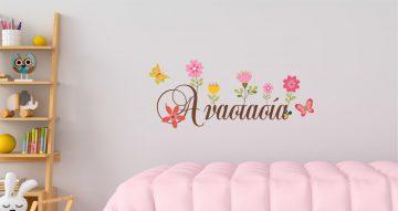 Αυτοκόλλητα Τοίχου - Προσωποποιημένο αυτοκόλλητο με πεταλούδες και λουλούδια (βάλτε το όνομα του παιδιού σας!)